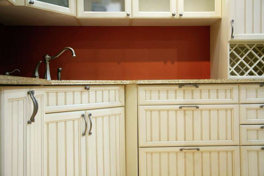 tom 39 s tips eliminate frustrations of replacing cabinet
