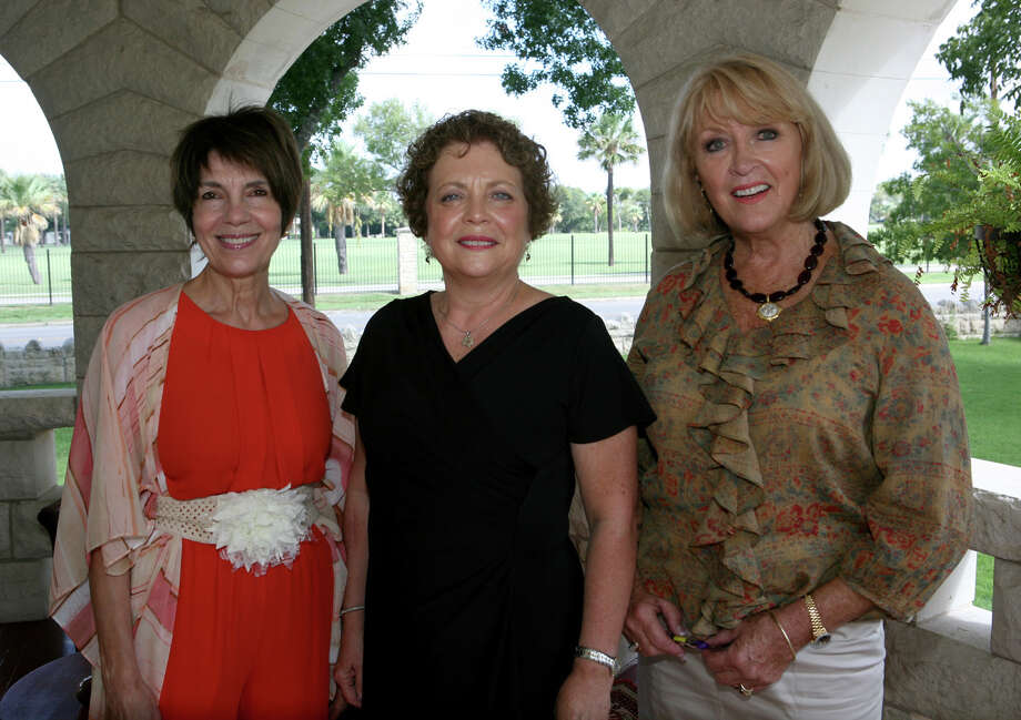 OTS/HEIDBRINK - Hostesses Peggy Karam, from left, Melissa Richard and president Jaquie Rothermel gather at the San Antonio Bar Auxiliary meeting at The Lambermont Historic House on 9/25/2012. names checked photo by leland a. outz Photo: LELAND A. OUTZ, SPECIAL TO THE EXPRESS-NEWS / SAN ANTONIO EXPRESS-NEWS