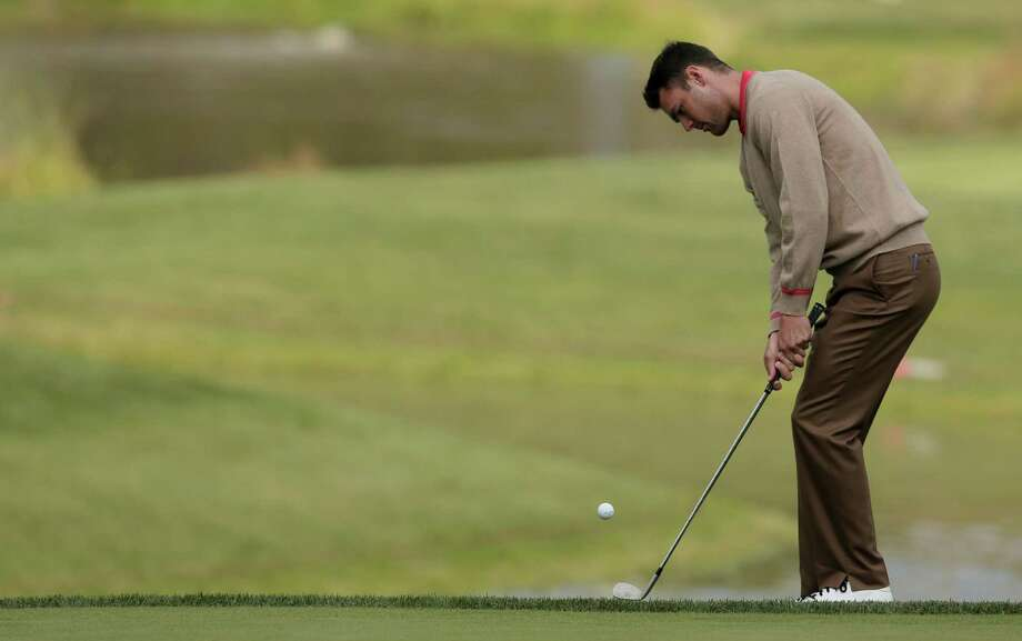 Europe's Martin Kaymer chips up to the 15th hole during a practice round at the Ryder Cup PGA golf tournament Thursday, Sept. 27, 2012, at the Medinah Country Club in Medinah, Ill. (AP Photo/Charlie Riedel) Photo: Charlie Riedel, Associated Press / AP