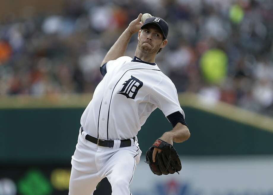 Detroit Tigers starting pitcher Doug Fister throws against the Kansas City Royals. Photo: Paul Sancya, Associated Press