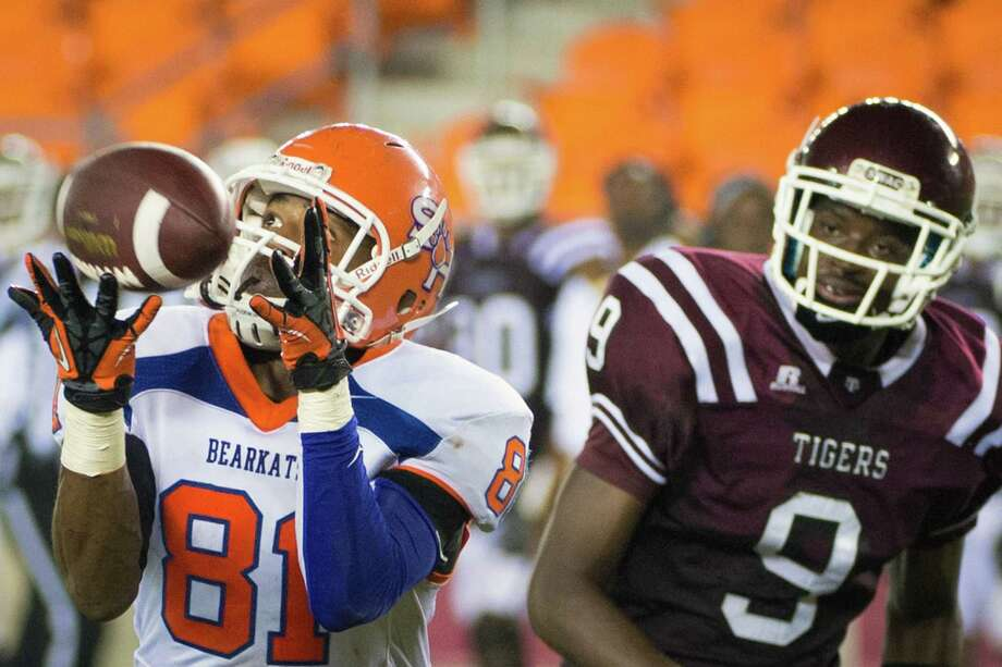 Sam Houston State wide receiver Chance Nelson (81) beats Texas Southern defensive back Darveon Trahan (9) on a 32-yard touchdown pass during the second quarter at BBVA Compass Stadium, Thursday, Sept. 27, 2012, in Houston. Photo: Smiley N. Pool, Houston Chronicle / © 2012  Houston Chronicle