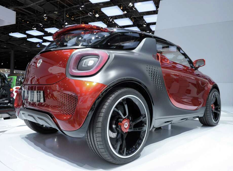 A Smart Forstars is presented during the press days at the Paris Motor Show on Sept. 28, 2012. Photo: AFP, AFP/Getty Images / 2012 AFP
