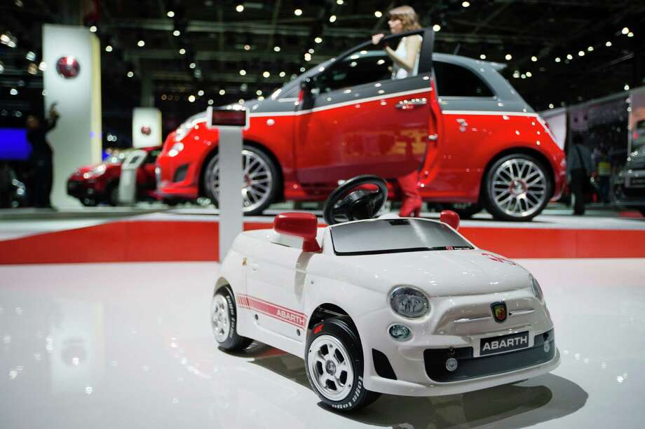 A Fiat 500 is displayed during the press days of the Paris Motor Show on Sept. 28, 2012. Photo: JOEL SAGET, AFP/Getty Images / 2012 AFP