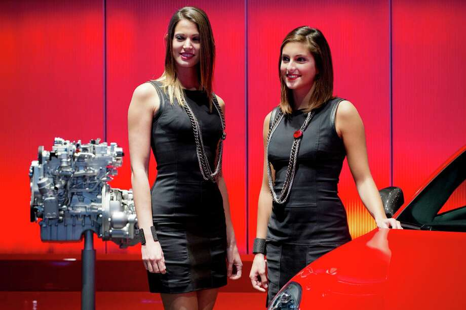 The engine of an Alfa Romeo is displayed during the press days of the Paris Motor Show on Sept. 28, 2012. Photo: JOEL SAGET, AFP/Getty Images / 2012 AFP