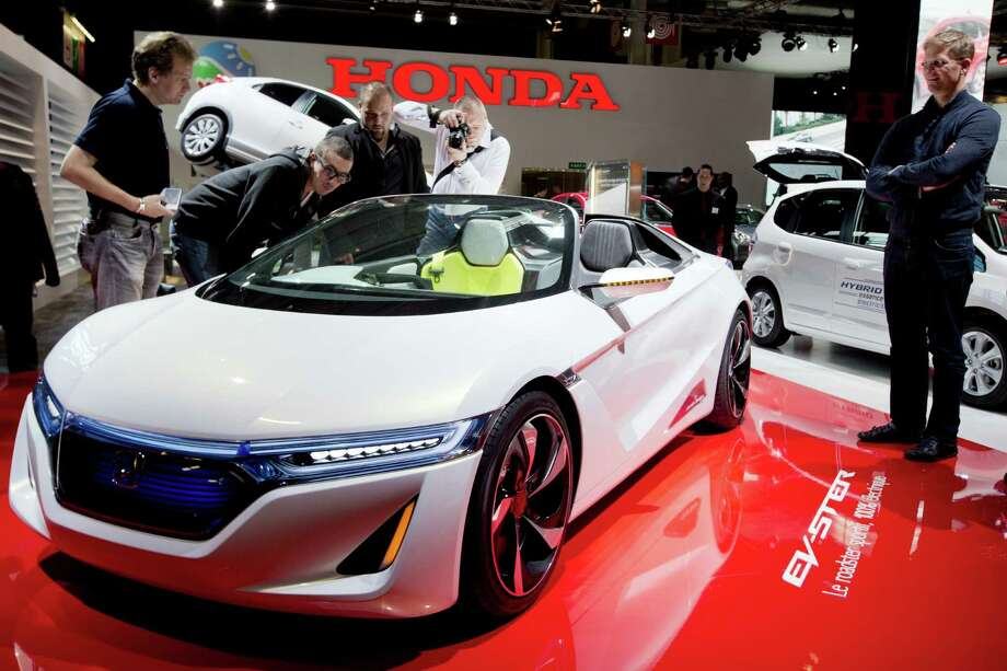 An electric Honda roadster Ev-Ster is displayed during the press days of the Paris Motor Show on Sept. 28, 2012. Photo: JOEL SAGET, AFP/Getty Images / 2012 AFP