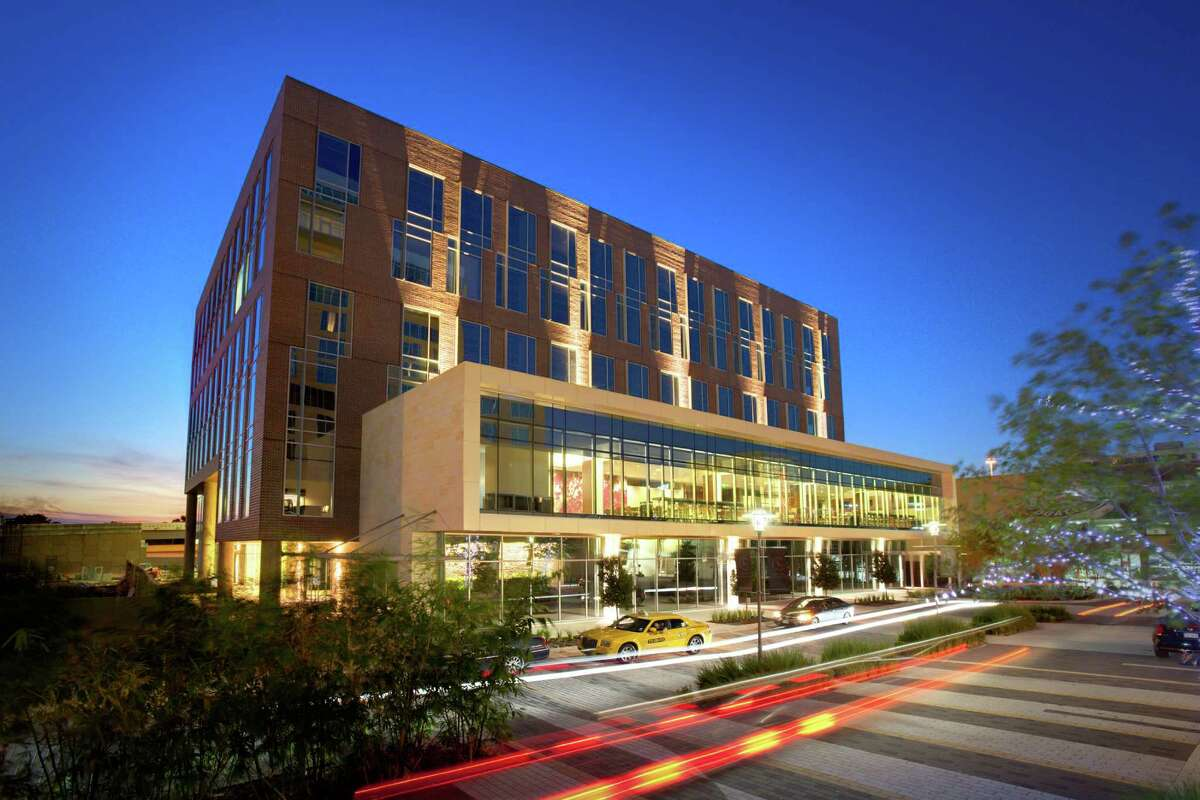CityCentre Three has welcomed Texas A&M University's Mays School of Business as its first tenant. The project team of Muñoz + Albin, Kirksey and Hoar Construction is building CityCentre Four next door.