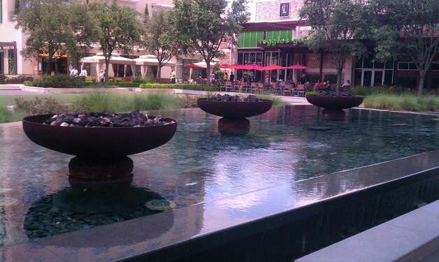 The plaza offers a place to gather at CityCentre, a mixed-use development by Midway Cos. near Beltway 8 and the Katy Freeway. Photo: Katherine Feser