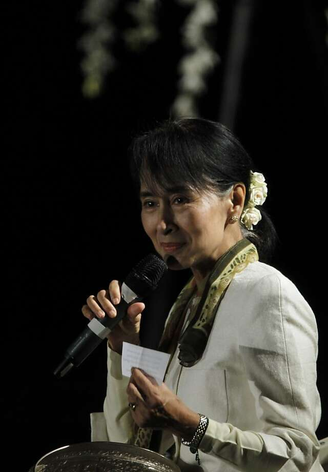 Burmese opposition leader Aung San Suu Kyi meets with the local Burmese community at USF in San Francisco, Calif. on Saturday, Sept. 29, 2012. The Nobel Peace laureate addressed the large crowd and answered questions from the audience. Photo: Paul Chinn, The Chronicle