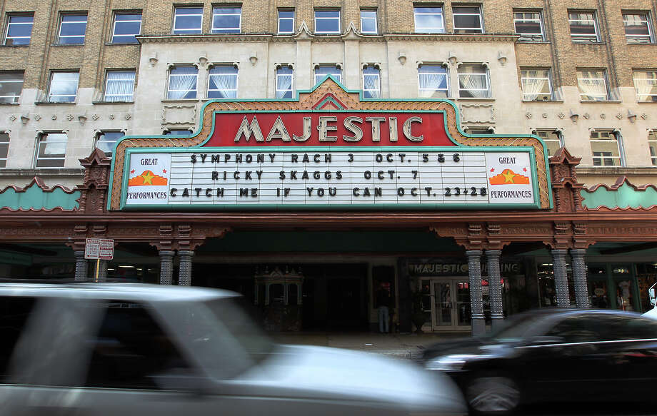 View of the Majestic Theater on Wednesday, Sept. 26, 2012. Photo: Kin Man Hui, SAN ANTONIO EXPRESS-NEWS / ©2012 San Antonio Express-News