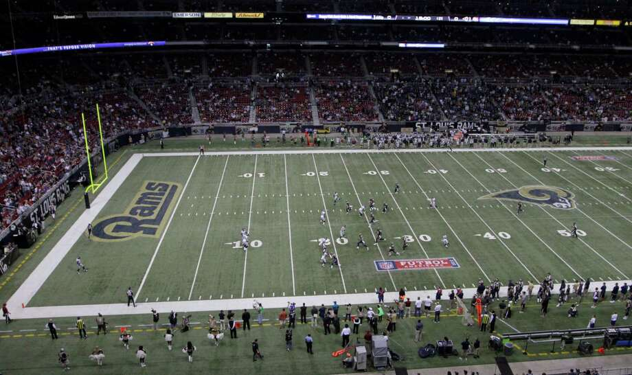 The St. Louis Rams plays the Seattle Seahawks at the Edward Jones Dome in an NFL football game Sunday, Sept. 30, 2012, in St. Louis. Photo: AP