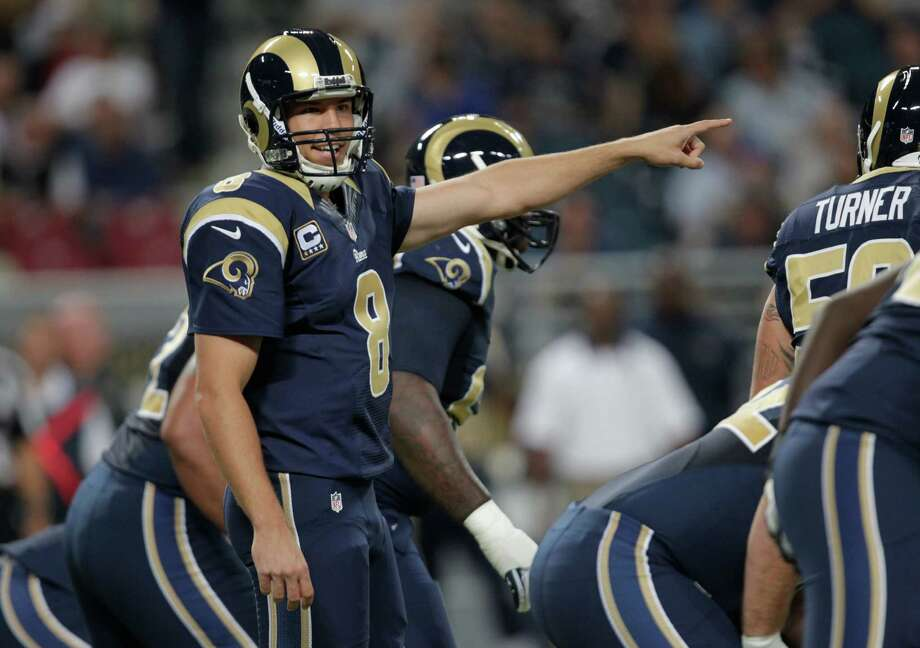 St. Louis Rams quarterback Sam Bradford gives directions during the first half of an NFL football game against the Seattle Seahawks Sunday, Sept. 30, 2012, in St. Louis. Photo: AP