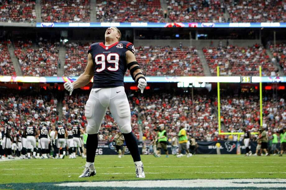 Texans defensive end J.J. Watt screams to the crowd before the game. Photo: Nick De La Torre, Houston Chronicle / © 2012  Houston Chronicle