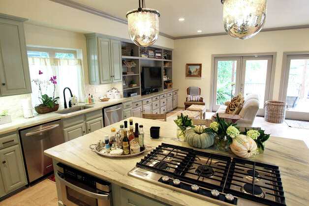 Kitchen Spaces in the home of Whitney Schones  on September 26, 2012. Photo: Tom Reel, San Antonio Express-News / ©2012 San Antono Express-News