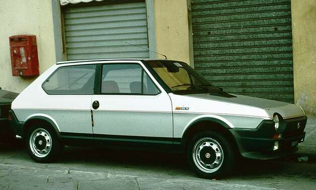 21. 1978 Fiat Strada/Ritmo -- This failed car helped seal Fiat's exit from the U.S. market. Like other cars, it was prone to rust so it certainly wasn't a winner. (Photo: Charles01, Wikipedia)