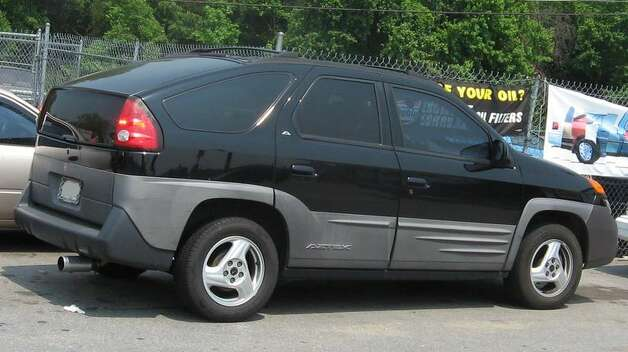1. 2001 Pontiac Aztek -- The Pontiac Aztek didn't win any fans with its exterior, and the behind-the-wheel performance didn't wow any drivers either. Within four years, sales for the Aztek had dropped off. (Photo: IFCAR, Wikipedia)