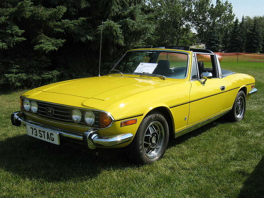 35. 1970 Triumph Stag -- This car had numerous engine problems and some crummy electrical parts that didn't make it a winner. (Photo: Dave_7, Wikipedia)