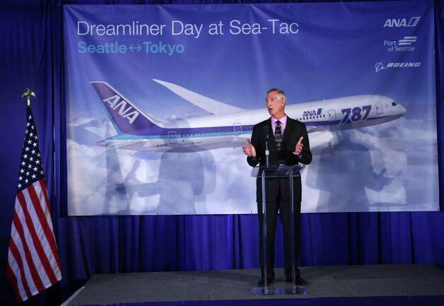 Boeing Vice President Larry Loftis speaks at an event as the first ANA Boeing 787 arrives at SeaTac Airport. Photo: JOSHUA TRUJILLO / SEATTLEPI.COM