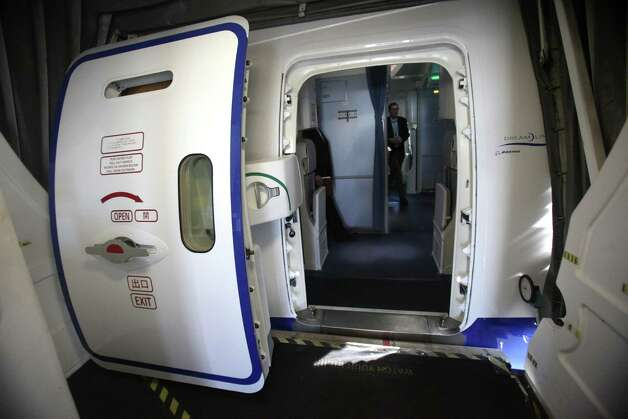 The entry door is shown on the first Boeing 787 to provide commercial service to Sea-Tac Airport. Photo: JOSHUA TRUJILLO / SEATTLEPI.COM