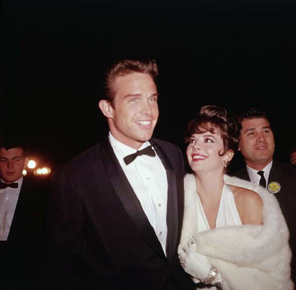 1977: Co-host Warren Beatty, pictured with Natalie Wood.