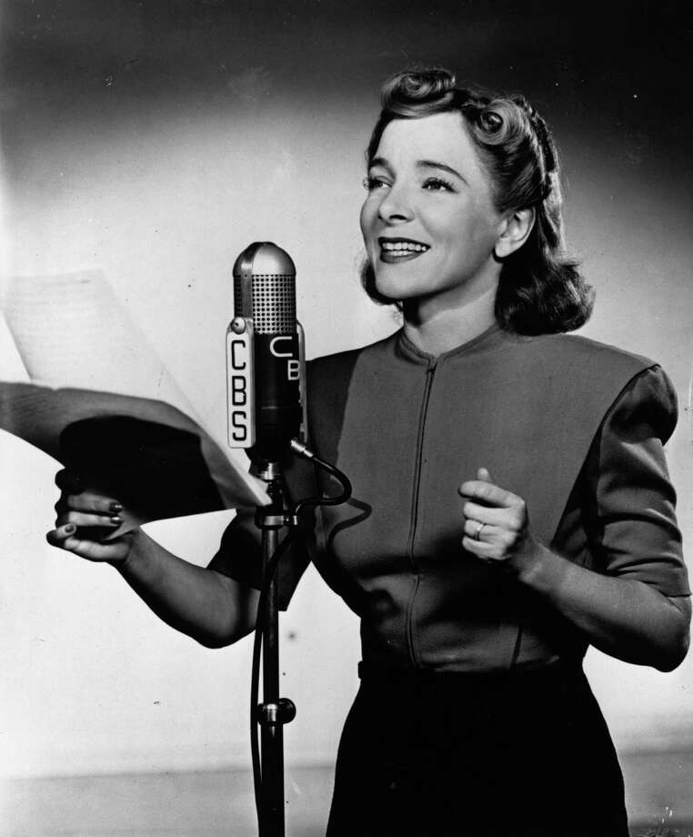 1972: Co-host Helen Hayes Photo: Fox Photos, Getty Images / Hulton Archive