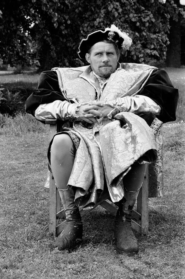 1976: Co-host Robert Shaw Photo: Larry Ellis, Getty Images / Hulton Archive
