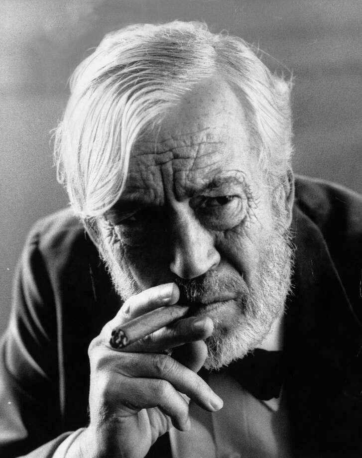 1974: Co-host John Huston Photo: Roy Jones, Getty Images / Hulton Archive