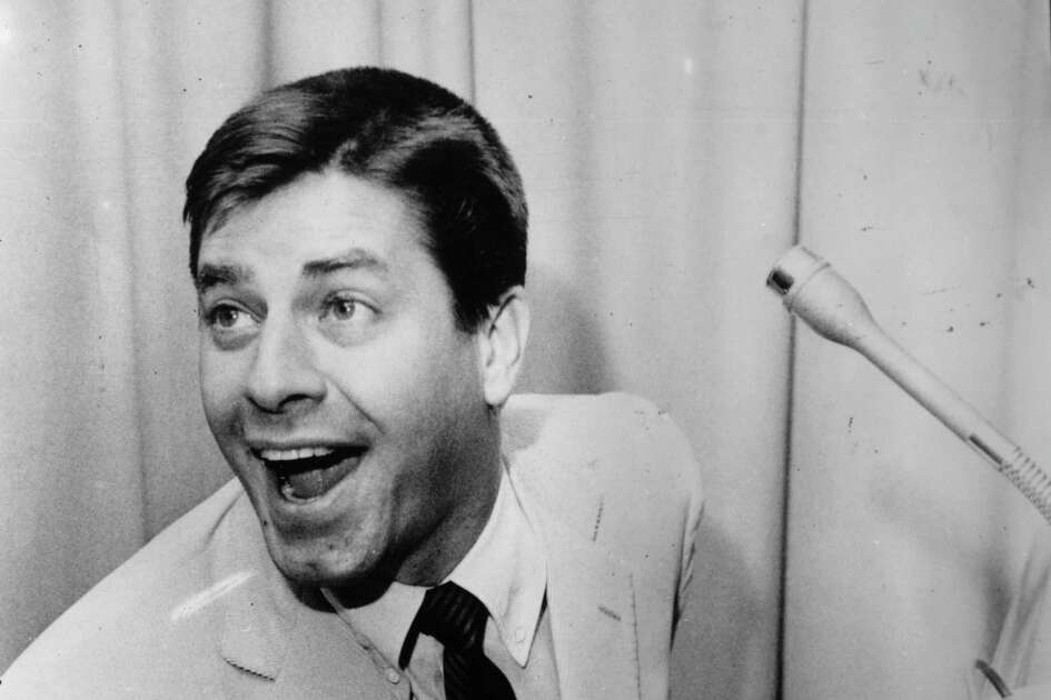 1956: Co-host Jerry Lewis