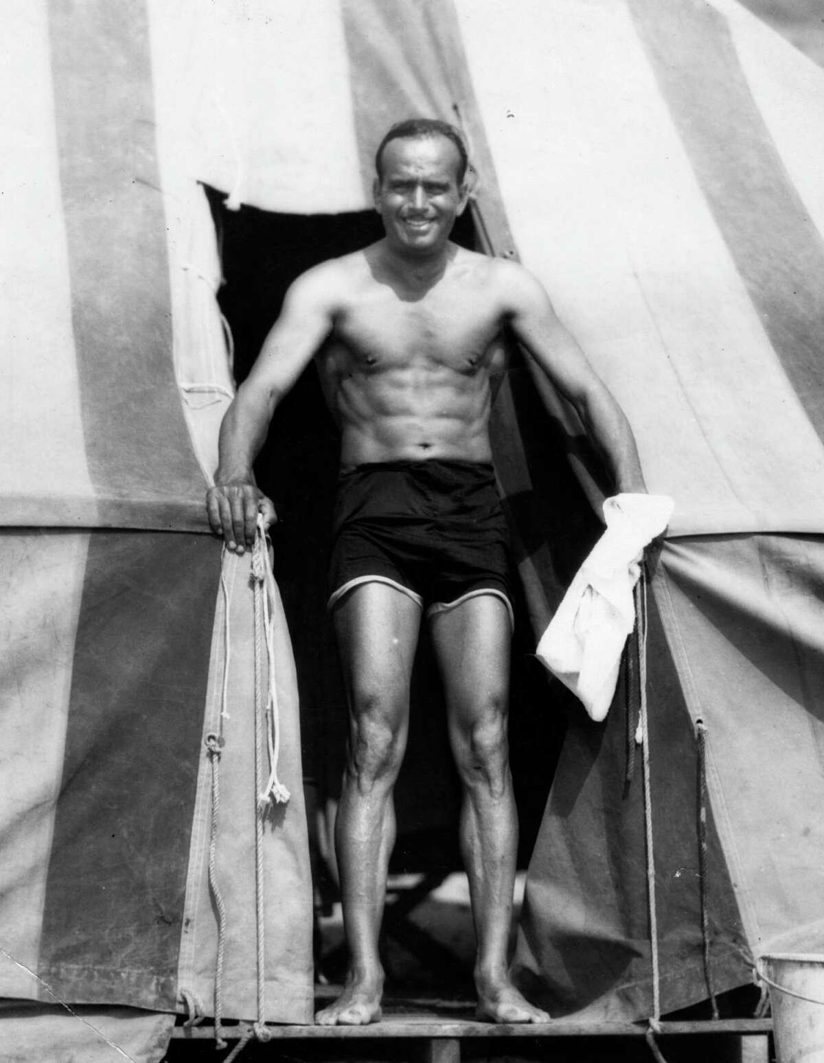 1929: Douglas Fairbanks, pictured above, hosted the event with William C. deMille.