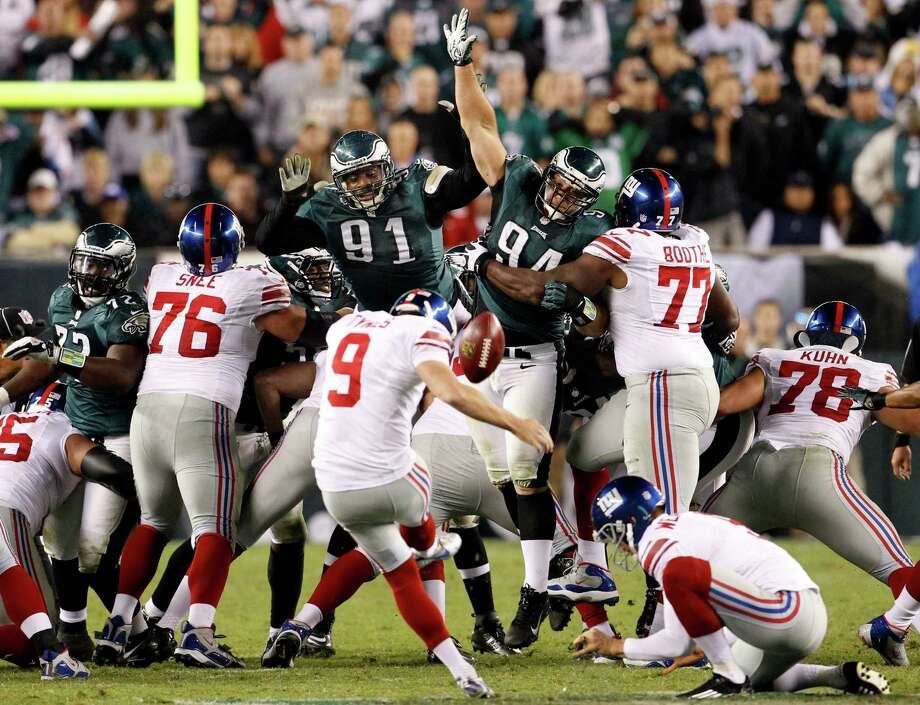 New York Giants kicker Lawrence Tynes (9) attempts a 54-yard field goal that fell short during the second half of an NFL football game against the Philadelphia Eagles, Sunday, Sept. 30, 2012, in Philadelphia. The Eagles won 19-17. (AP Photo/The Philadelphia Inquirer, Ron Cortes)  PHIX OUT; TV OUT; MAGS OUT; NEWARK OUT Photo: Ron Cortes