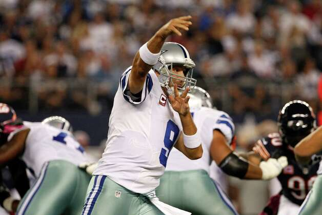 Dallas Cowboys' Tony Romo (9) passes against the Chicago Bears during an NFL football game Monday, Oct. 1, 2012, in Arlington, Texas. (AP Photo/Tony Gutierrez) Photo: Tony Gutierrez, Associated Press / AP