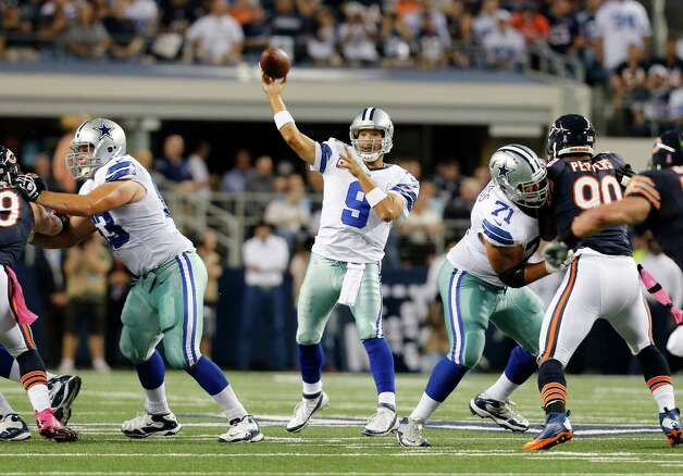 Dallas Cowboys' Tony Romo (9) passes during an NFL football game against the Chicago Bears Monday, Oct. 1, 2012, in Arlington, Texas. (AP Photo/Sharon Ellman) Photo: Sharon Ellman, Associated Press / FR170032 AP