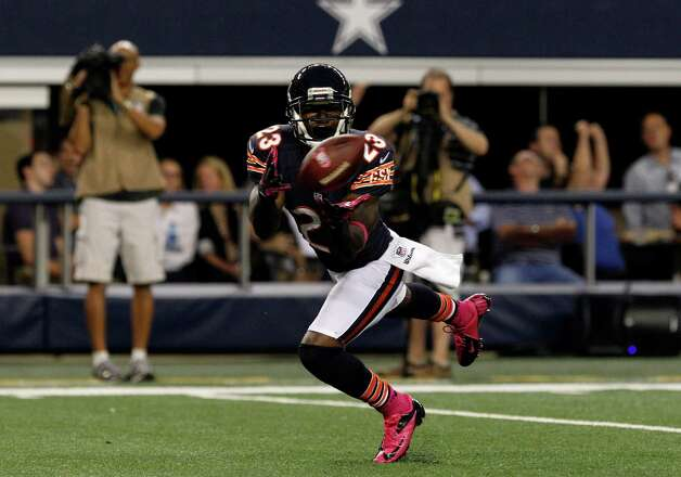 Chicago Bears' Devin Hester (23) grabs a pass for a touchdown in the second half of an NFL football game against the Dallas Cowboys  Monday, Oct. 1, 2012, in Arlington, Texas. (AP Photo/LM Otero) Photo: LM Otero, Associated Press / AP
