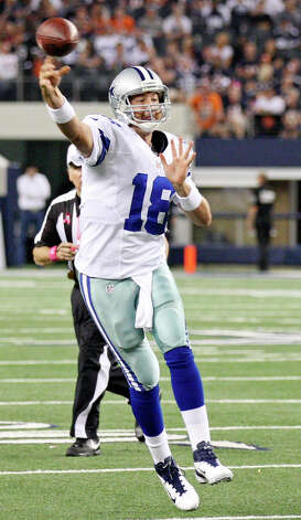 Dallas Cowboys' Kyle Orton passes against the Chicago Bears during second half action Monday Oct. 1, 2012 at Cowboys Stadium in Arlington, Tx.  The Bears won 34-18. Photo: Edward A. Ornelas, Express-News / © 2012 San Antonio Express-News