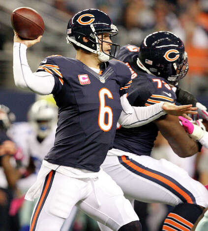 Chicago Bears' Jay Cutler passes against the Dallas Cowboys during first half action Monday Oct. 1, 2012 at Cowboys Stadium in Arlington, Tx. Photo: Edward A. Ornelas, Express-News / © 2012 San Antonio Express-News