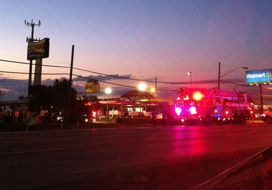 A grease fire erupted at Sonic early Tuesday. Photo: Ana Ley/Express-News