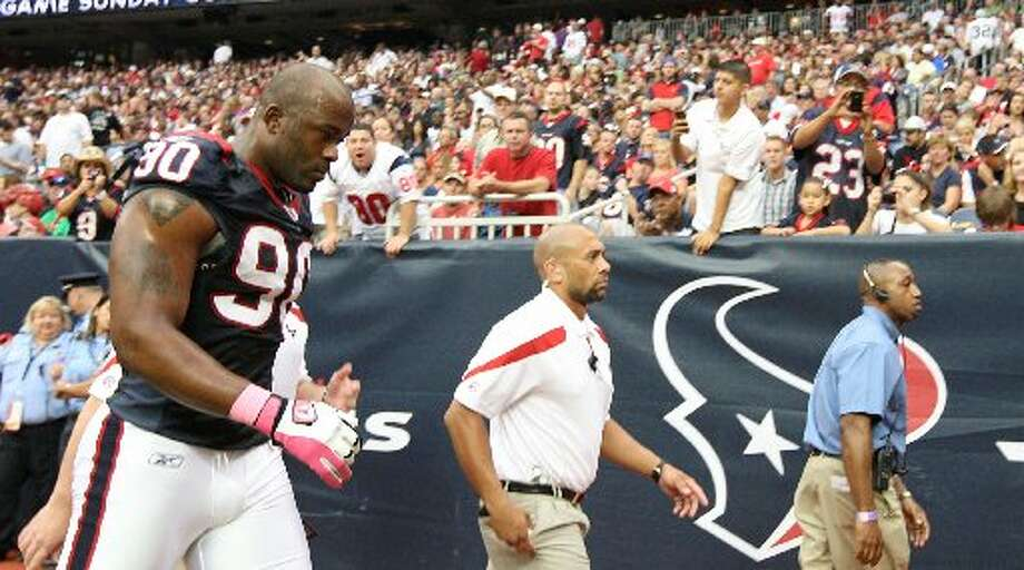 Mario Williams played his last game as a Texan. (Karen Warren / Houston Chronicle)