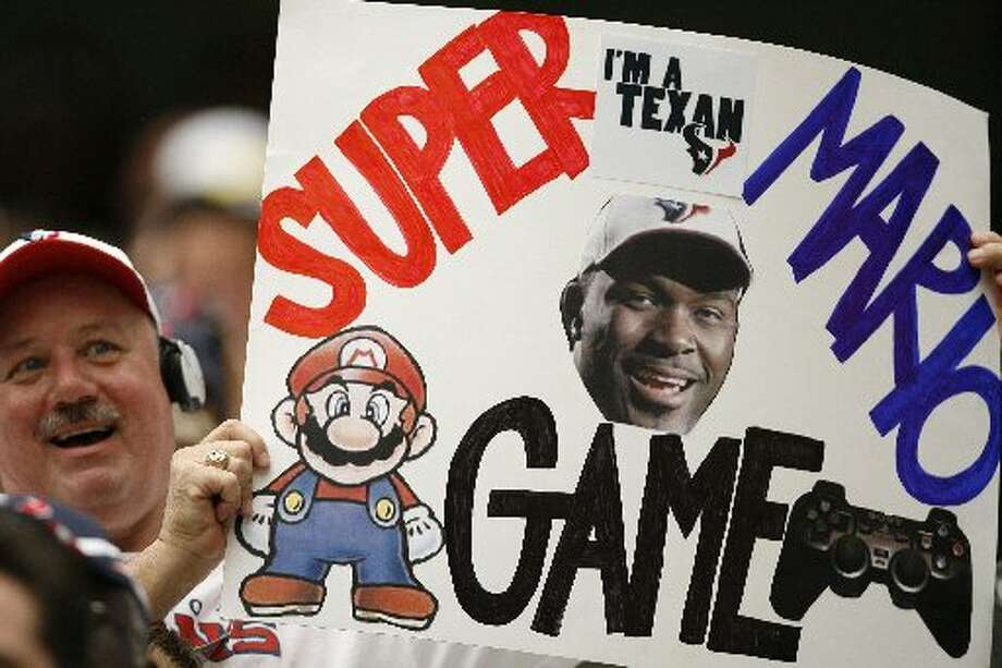 Fans came up with a nickname for an appropriate Mario Williams. (James Nielsen / Houston Chronicle)