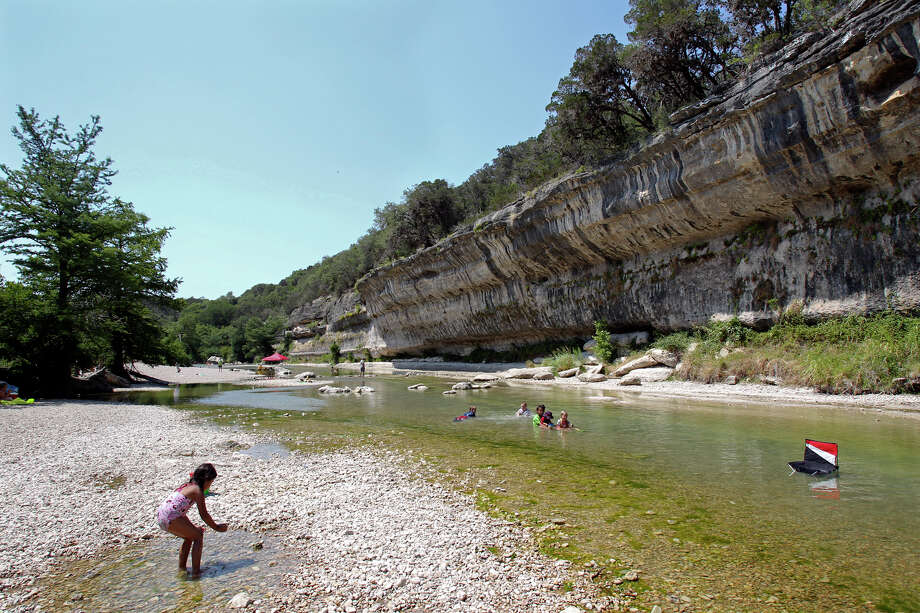 The Guadalupe River State Park is the site of many an outdoor classroom, and daytime riverdipping is just the start of it, says guide Craig Hensley. Photo: TOM REEL, SAN ANTONIO EXPRESS-NEWS / © 2011 San Antonio Express-News