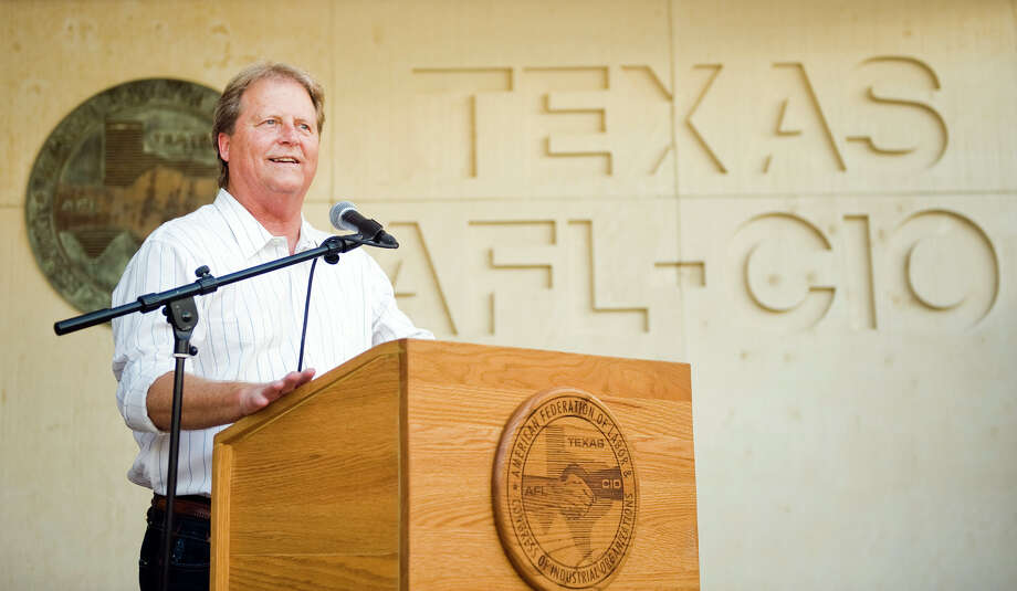 U.S. Senate candidate Paul Sadler (D) speaks to supporters during a fish fry at the American Federation of Labor - Congress of Industrial Organizations in Austin, TX on Fri., Aug. 31, 2012.Ashley Landis for the Houston Chronicle Photo: Ashley Landis / copyright 2012 Ashley Landis