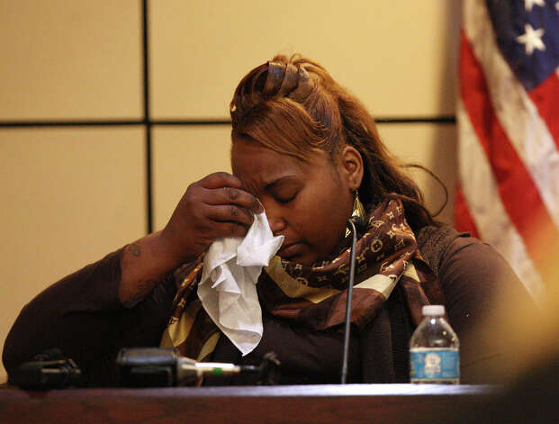 Candice Moten testifies in the capital murder trial of her former boyfriend, James Morrison, before Bexar County District 379th Judge Ron Rangel, Tuesday, Oct. 2, 2012. Morrison is accused of shooting Moten, her sister,  Krystal Moten and their mother, Laura Moten at a Northeast side apartment complex in April of 2009. Candice Moten, who was 5-months pregnant at the time of the shooting, was the only survivor. Photo: JERRY LARA, San Antonio Express-News / © 2012 San Antonio Express-News
