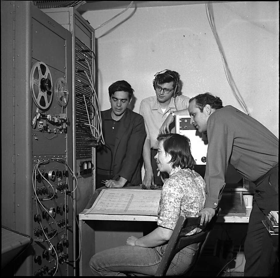 TAPEMUSIC-29MAR1964-AF - Ramon Sender, Mike Callahan, Morton Subotnick, Pauline Oliveros, at the San Francisco Tape Music Center, with all sorts of sound generators.  Tape Center wants $1200 to transform itself from a local into and international institution.  Photo by Art Frisch Photo: Art Frisch, SFC