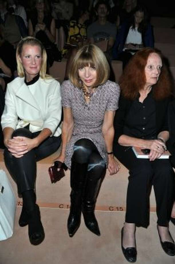 Anna Wintour (C) attend the Valentino Spring / Summer 2013 show as part of Paris Fashion Week at Espace Ephemere Tuileries on October 2, 2012 in Paris, France.  (Pascal Le Segretain/Getty Images)