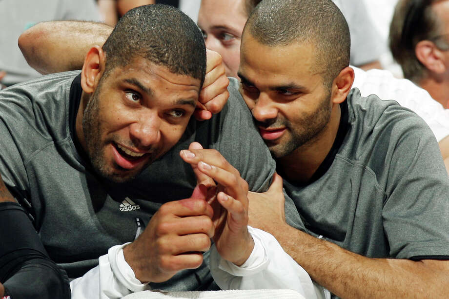 3. Because his teammates love him. Photo: EDWARD A. ORNELAS, SAN ANTONIO EXPRESS-NEWS / © SAN ANTONIO EXPRESS-NEWS (NFS)
