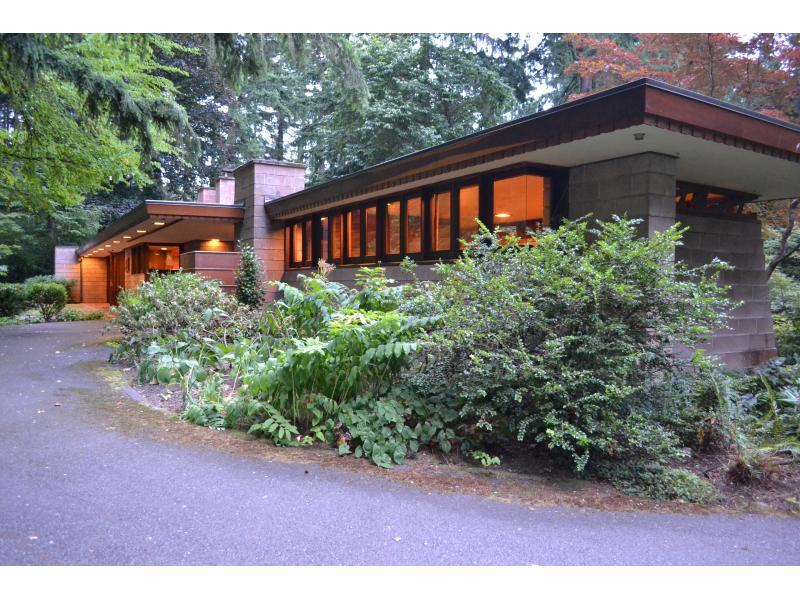 Frank lloyd wright 39 usonian 39 home for sale in sammamish - Frank lloyd wright houses for sale ...
