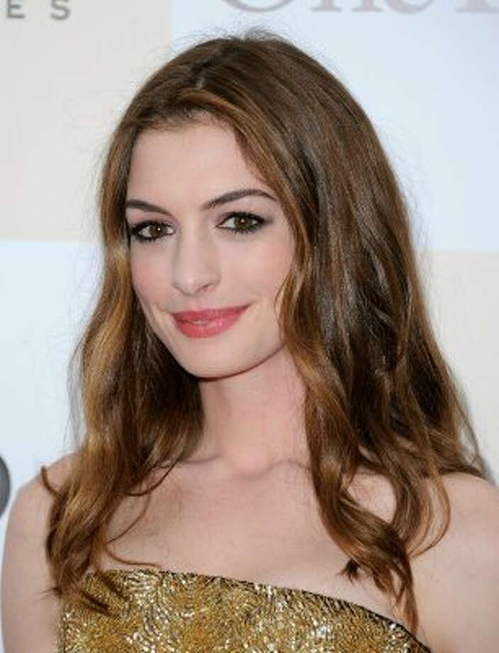 "Anne Hathaway recently said that she lost too much weight — 25 pounds — for her role as Fantine in ""Les Miserables.""She said, ""I lost the first 10 (pounds) in three weeks through a detox and then I lost the subsequent 15 in 14 days by doing food deprivation and exercise, which I don't recommend."" (Jemal Countess / Getty Images)"