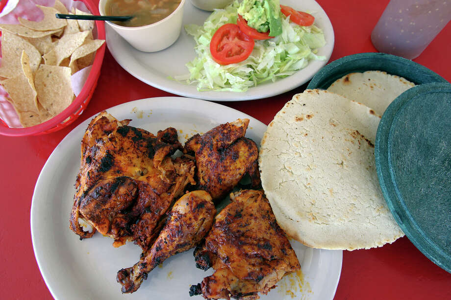 Grilled chicken is served at Al's Regios Grill on October 3, 2012. Photo: Tom Reel, San Antonio Express-News / ©2012 San Antono Express-News