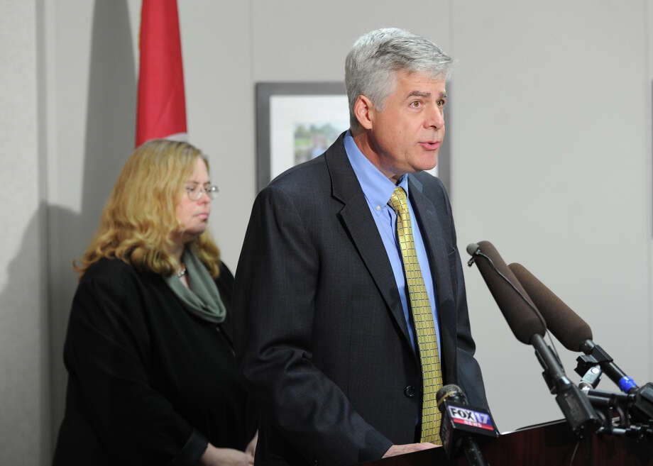Tennessee health officials Dr. David Reagan and Dr. Marion Kayiner of Nashville discuss the deadly outbreak of fungal meningitis. Photo: Shelley Mays / The Tennessean
