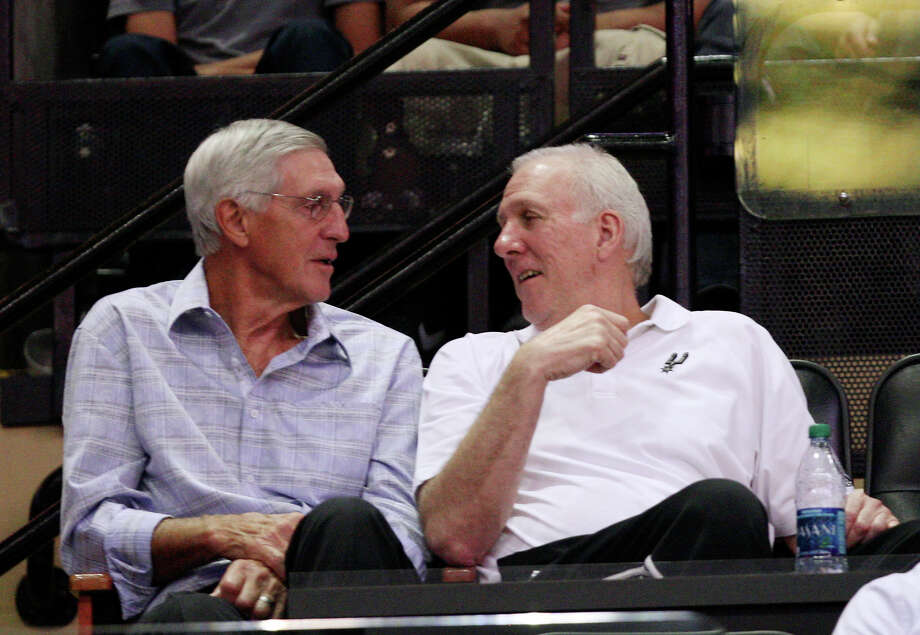 Former Utah Jazz coach Jerry Sloan (left) spent several days with Gregg Popovich and the Spurs at training camp. Photo: Jerry Lara, San Antonio Express-News / © 2012 San Antonio Express-News