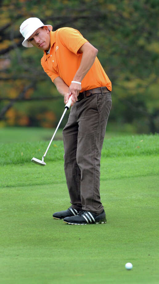 Bethlehem's Vincent Fox putts during the Section II Class A golf championship on Wednesday, Oct. 3, 2012, at Town of Colonie Golf Course in Colonie, N.Y. (Cindy Schultz / Times Union) Photo: Cindy Schultz / 00019228A