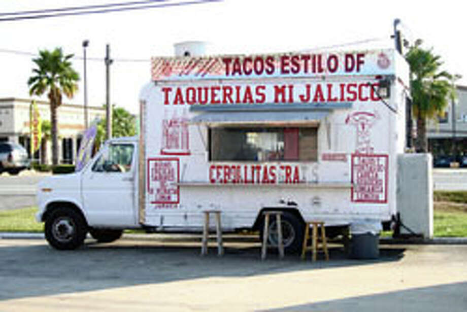 What to look for in a taco truck: Our beginner's guide helps you maximize your experience. Photo by Marco Torres.